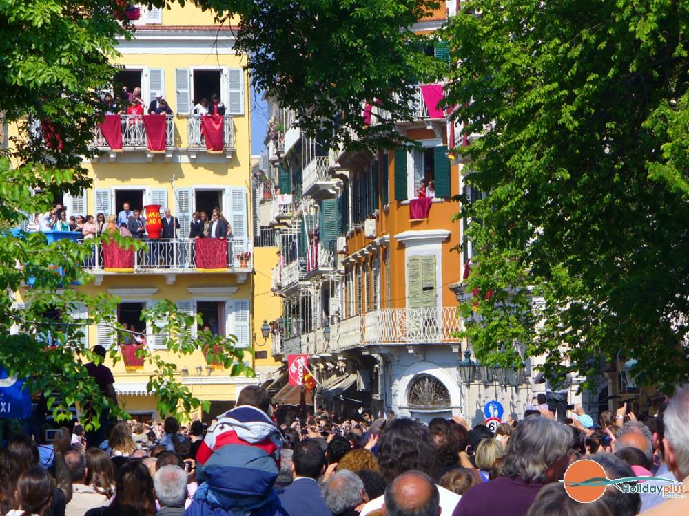 Как се празнува Великден на остров Корфу