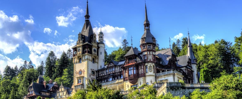 HolidayPLus :                            Букурещ / Парламента/–Замъка  на Дракула в Бран –Ръшновска крепост - Брашов-Синая-замъка  Пелеш